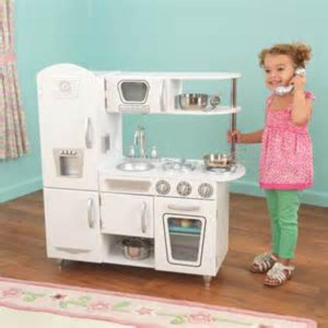 Brand New Kidkraft Vintage Play Kitchen White