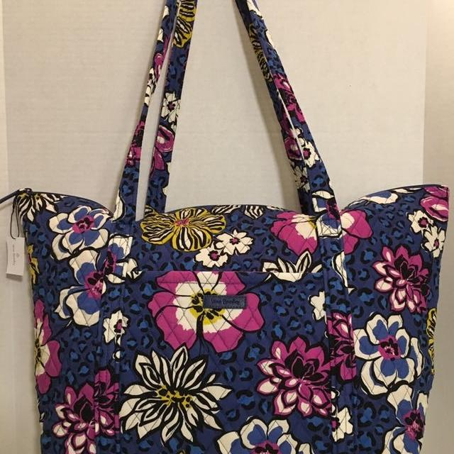 98b5cad3969e2a Find more Nwt Vera Bradley Miller Travel Bag Retail Tag $88 for sale ...
