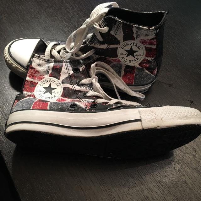 f34ed6907ed302 Find more Awesome Converse Shoes Boys Size 4 Girls Size 6. Great ...
