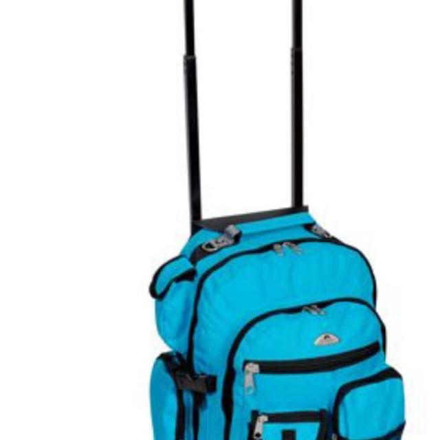 Everest Book Bag With Wheels