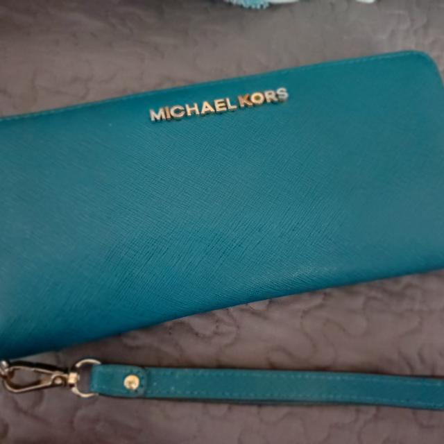 c5b4bebe9e33a1 Best Rare Rare Michael Kors Jet Set Travel Large Continental Wristlet  Leather Wallet In (*deep Teal*) for sale in Kerrville, Texas for 2019