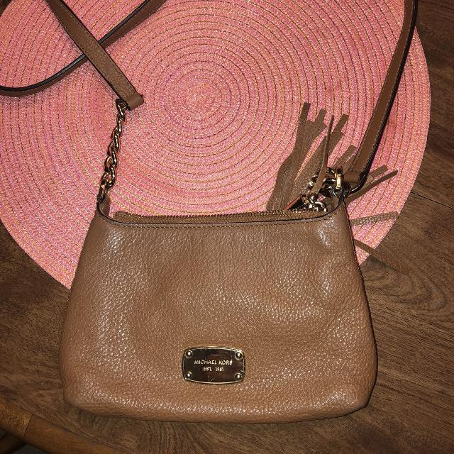 e7b5bd1a5 Best Michael Kors Cross Body Purse for sale in Hendersonville, Tennessee  for 2019