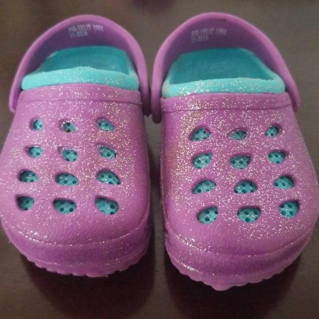 9b9ac2f0e4bc Find more Sparkly Toddler Water Shoes Size 4-5 for sale at up to 90% off
