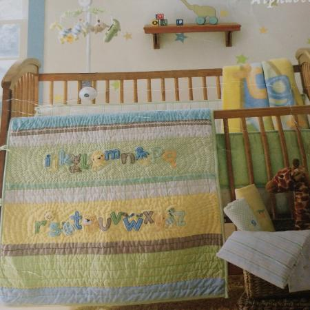 Baby crib set in new condition for sale  Canada