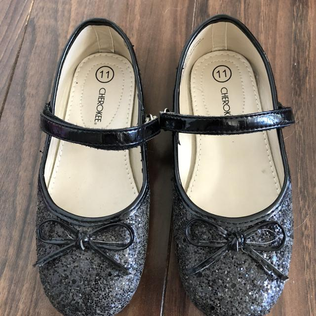a8563c82b8cf Find more Euc Girls Sparkly Shoes Size 11 for sale at up to 90% off