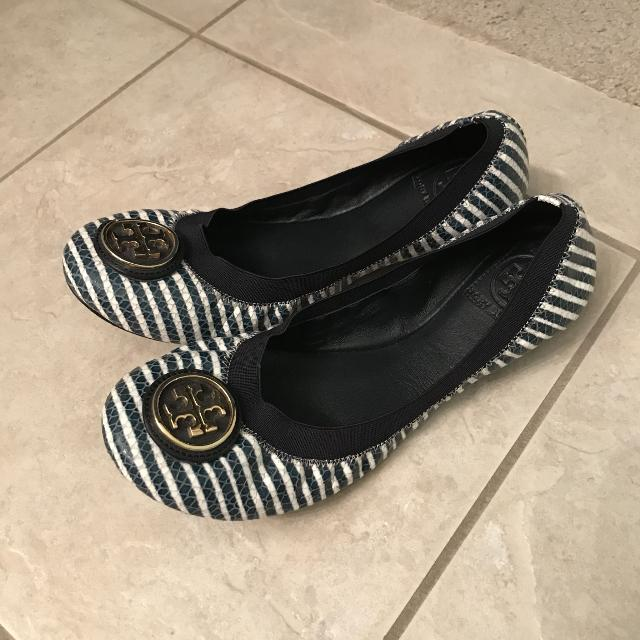 3c4bb7059b3c Find more Tory Burch Flats for sale at up to 90% off