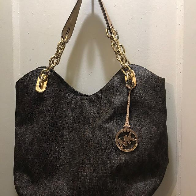fdfeb679d04d Find more Michael Kors Lilly Mk Print Purse for sale at up to 90% off