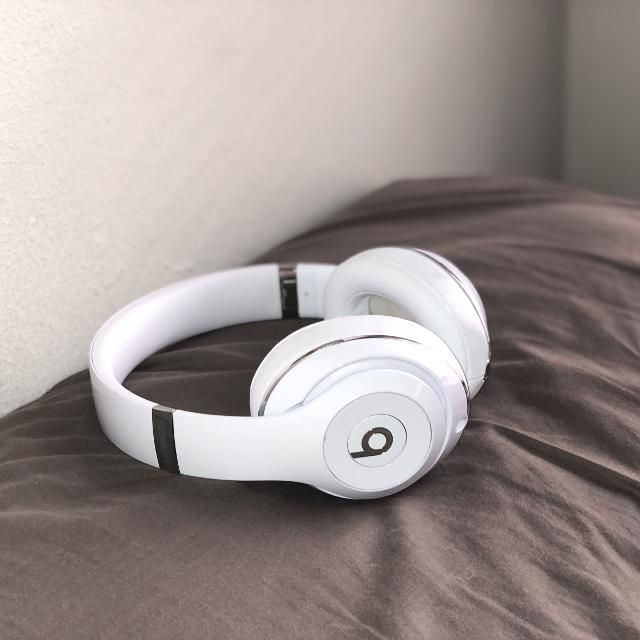 Best Beats Solo3 Wireless (white) for sale in Highland Park 6cef069f0