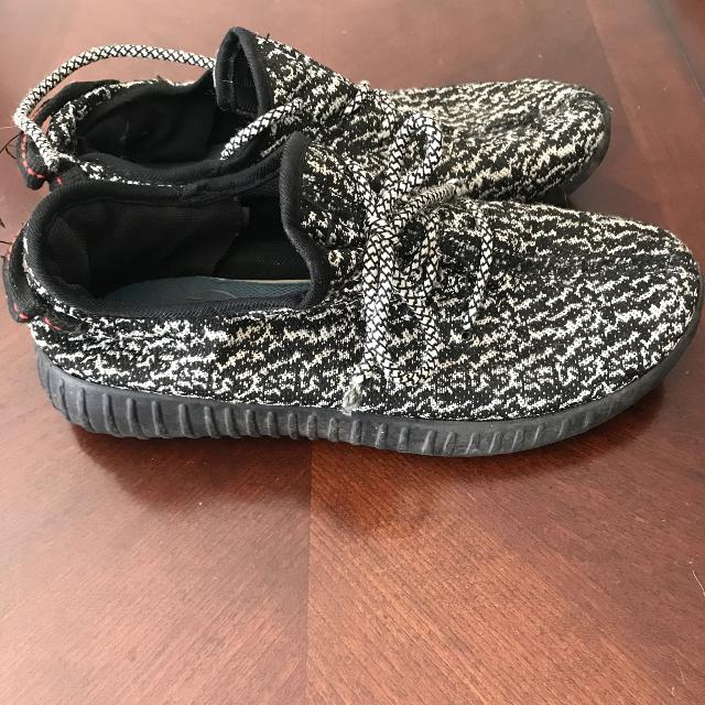 d12c50aaf Best Boys Size 5 Fake Yeezy Shoes for sale in Quinte West