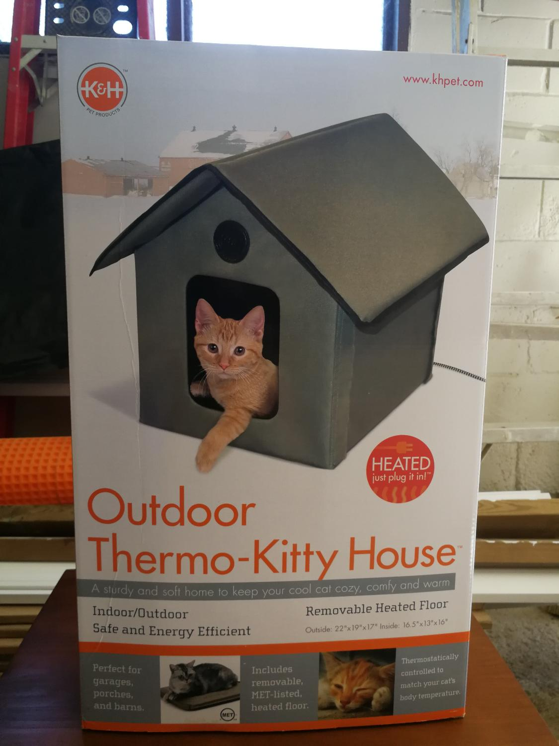 Best Price Drop From 70 To 50 Outdoor Thermal Cat House For In Clarington Ontario 2019
