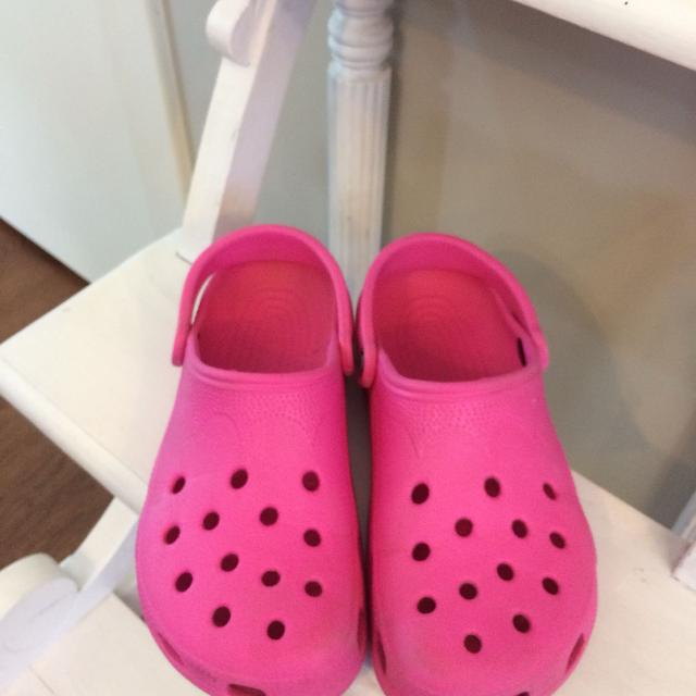 41a4982f7 Find more Hot Pink Crocs  5.00 for sale at up to 90% off