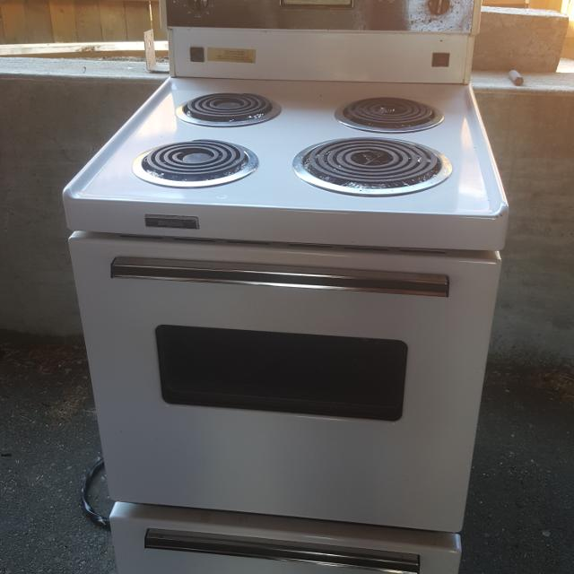 Best Apartment Size Stove In Excellent Working Order. for sale in ...