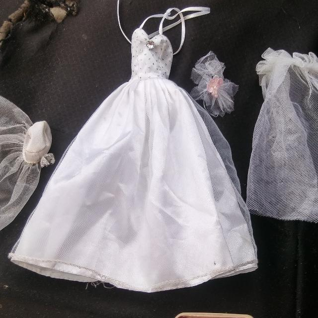 Best Barbie Wedding Gown $3 Ppu for sale in Brazoria County, Texas ...