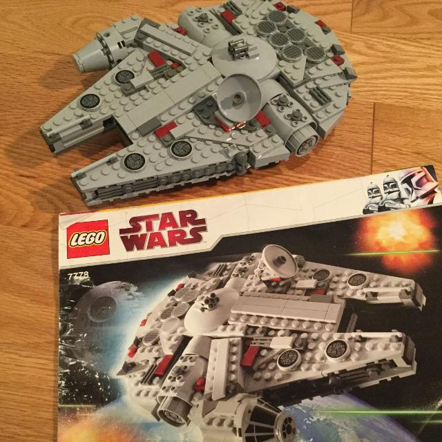 LEGO Star Wars set - Midi Scale Millennium Falcon