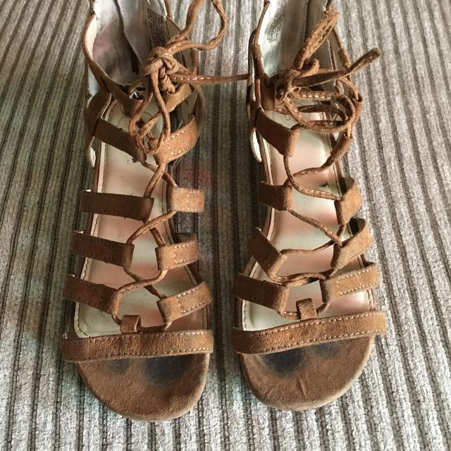 812ad79b9f5b Find more Kohl s Brand Adorable Sandals - Size 1 for sale at up to ...