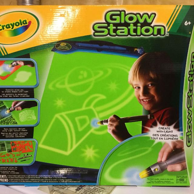 best crayola glow station excellent condition only 5 for sale