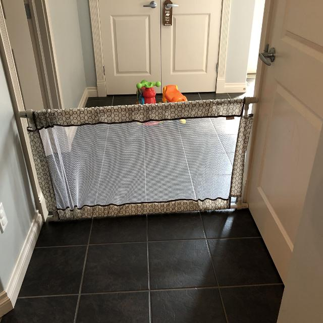 Find More Evenflo Expandable Pressure Baby Gate For Sale At Up To 90