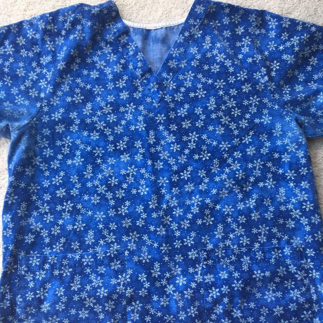 57d891b4bd4 Find more Cute Snowflake Scrub Top for sale at up to 90% off