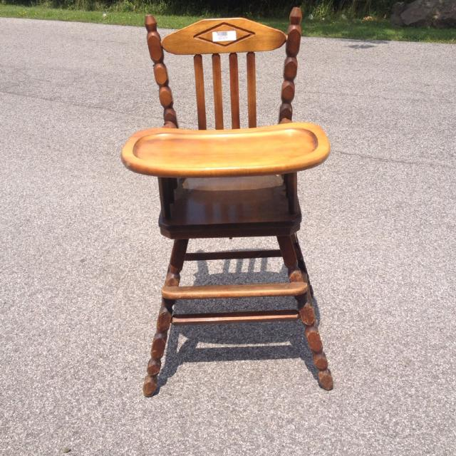Vintage wooden high chair with remove able adjusting tray table - Best Vintage Wooden High Chair With Remove Able Adjusting Tray Table
