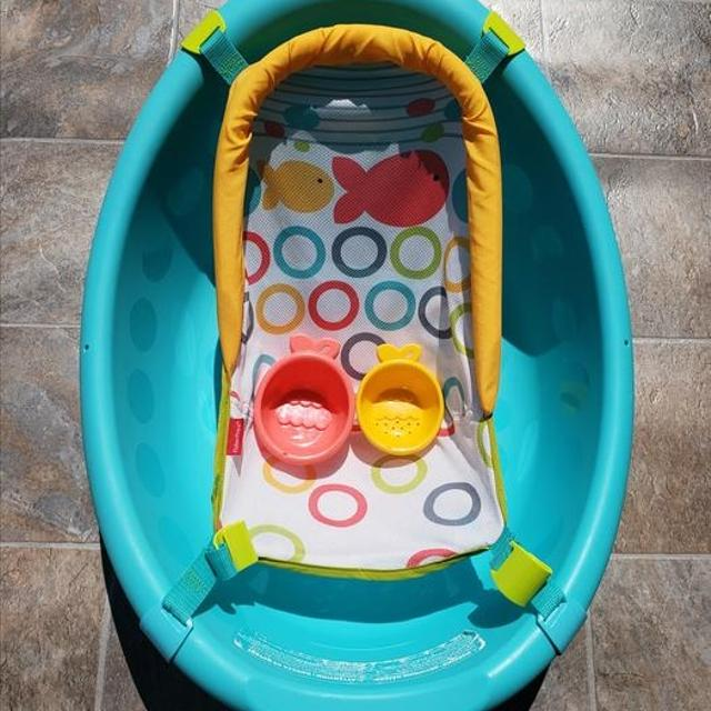 392e79ebf407 Find more Fisher Price Rinse  n Grow Bath Tub for sale at up to 90% off