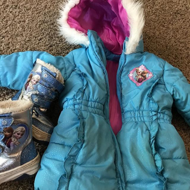 4c092a204 Find more Frozen Toddler Winter Gear for sale at up to 90% off