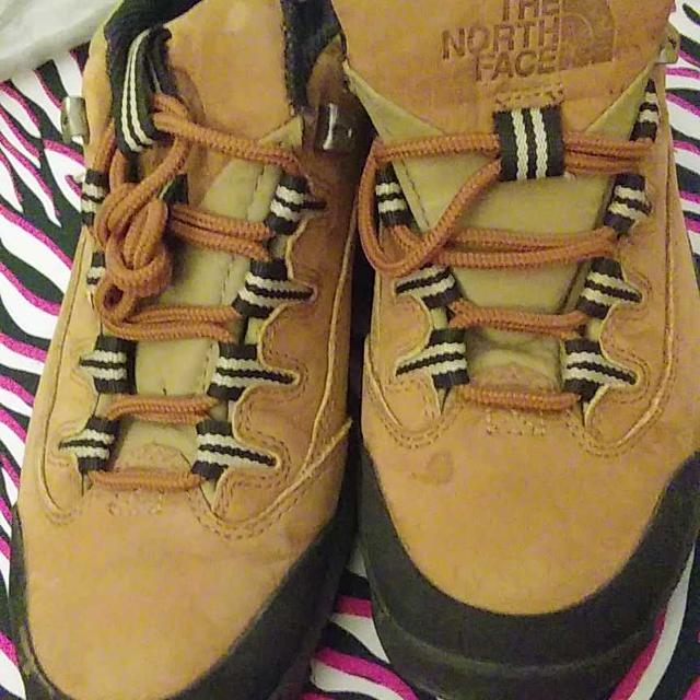 04af8e962a2 Woman Hiking boots from the North Face