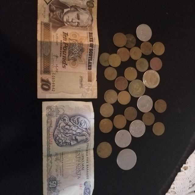 Old foreign and US currency