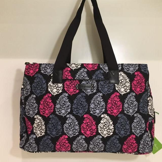 a21af750f257d0 Find more Retail Tag $108 Nwt Vera Bradley Triple Compartment Travel ...