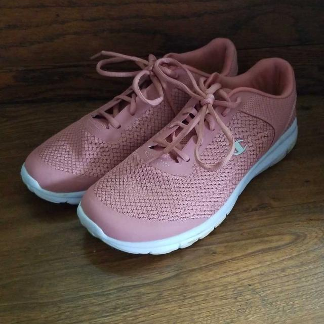2c6f6eaaa14 Find more Champion Memory Foam Womens Shoes Size 9.5 for sale at up ...