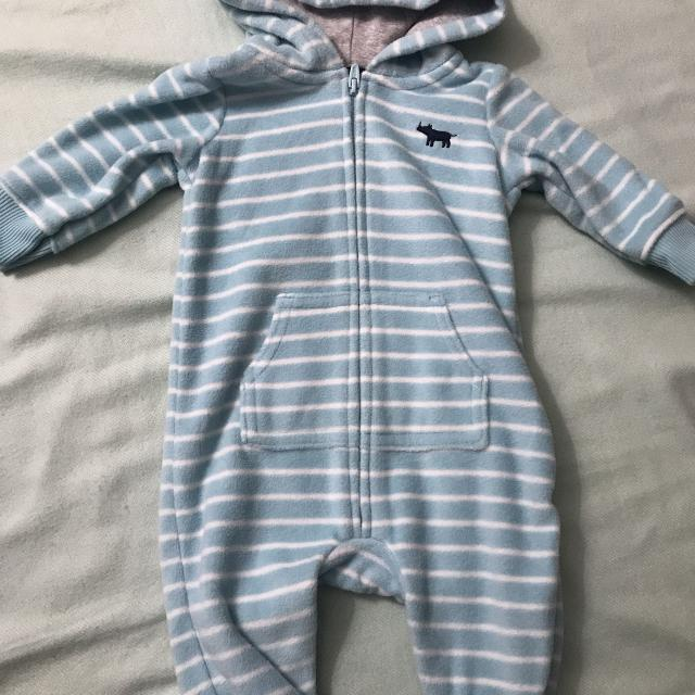 dd58aaa22 Find more Euc Carter s Hooded Fleece Romper for sale at up to 90% off