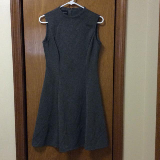 4393d7d0a64 Find more Dress. Donna Morgan. Grey. Women s Sz 2. Guc. for sale at ...