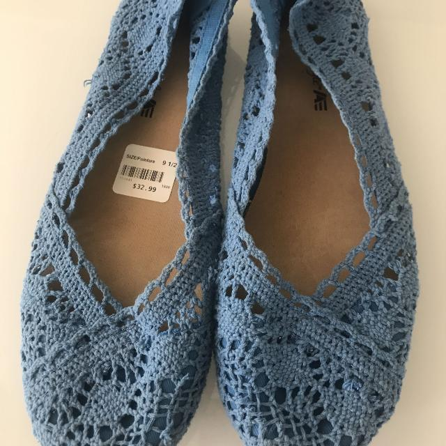 9d83eb8df9be Find more American Eagle Lace Flats for sale at up to 90% off