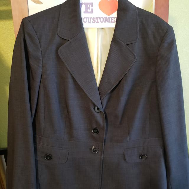 d4b9ea4e77045 Best Women's Business Suit Excellent Condition! for sale in Rowlett, Texas  for 2019