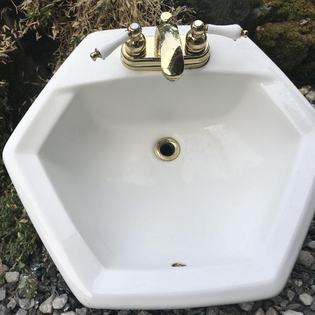 Find more Bathroom Sink (american Standard)and Taps for sale at up ...