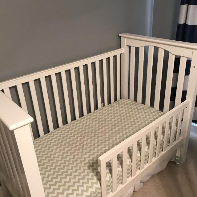 Best Pottery Barn Kids Kendall Crib Convertible Toddler Bed 2 Of 3