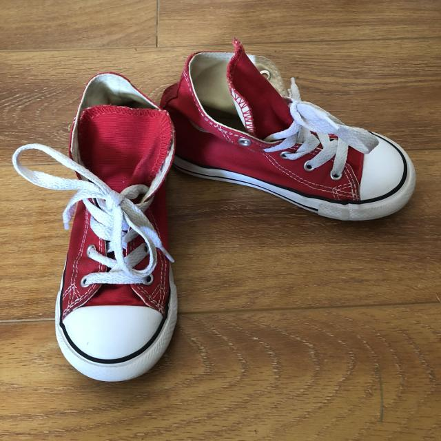 6b2417252ea8 Find more Toddler Girls Red Converse Size 10 for sale at up to 90% off