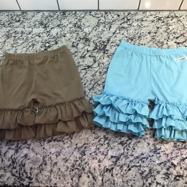 9960e1ad83645 Girls Ruffle Shorts Lot 2 pair sz 6/7 Teal are Oh My Ruffles & Brown aren't  tagged GUC