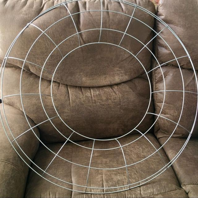 Large Wire Wreath Ring