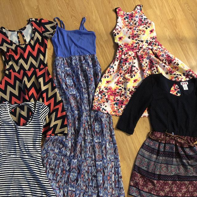 18671ee768986 Lot of 5 junior dresses - extra small