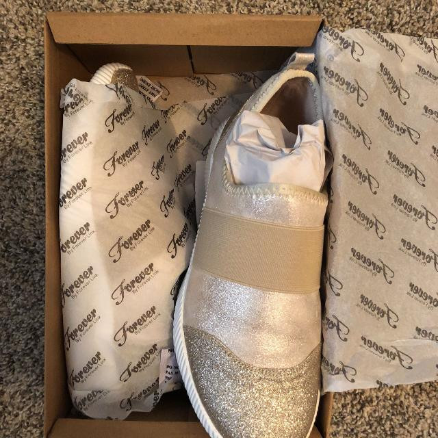New In Box Gold Glitter Slip On Tennis Shoes 6 5