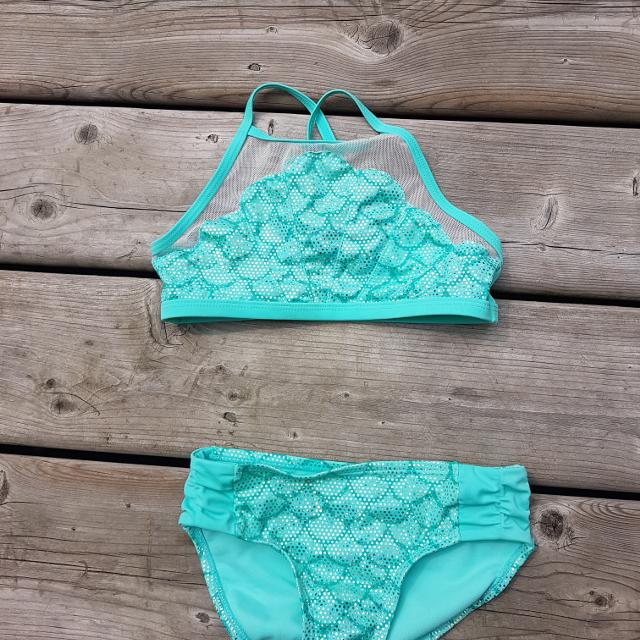 22df1fa9fb Find more Size 6 Justice Mermaid Bathing Suit for sale at up to 90% off