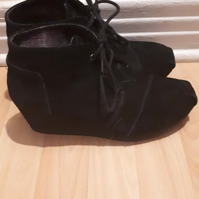 9a2b8252b8f Best Skechers Bobs Black Suede Wedge Booties - Size 9 for sale in Ottawa