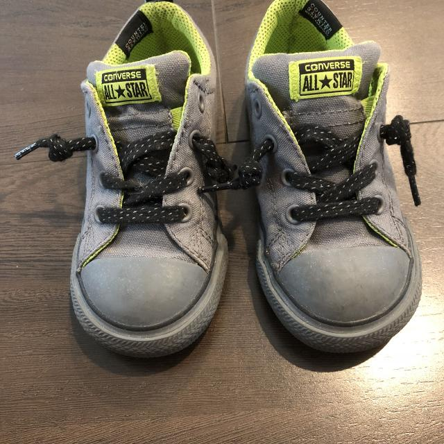 6c94102834f290 Find more Vguc Converse Toddler Boys No-tie Sneakers Size 9 for sale ...