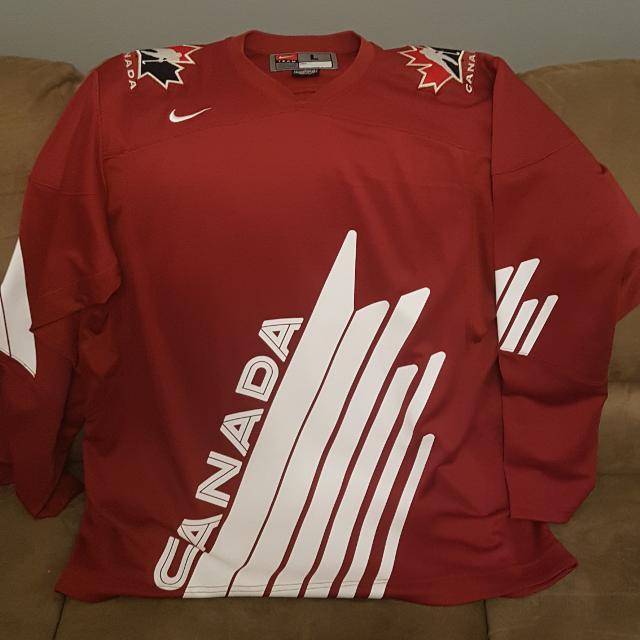 factory price 54541 3b654 2010 Team Canada World Juniors IIHF Jersey