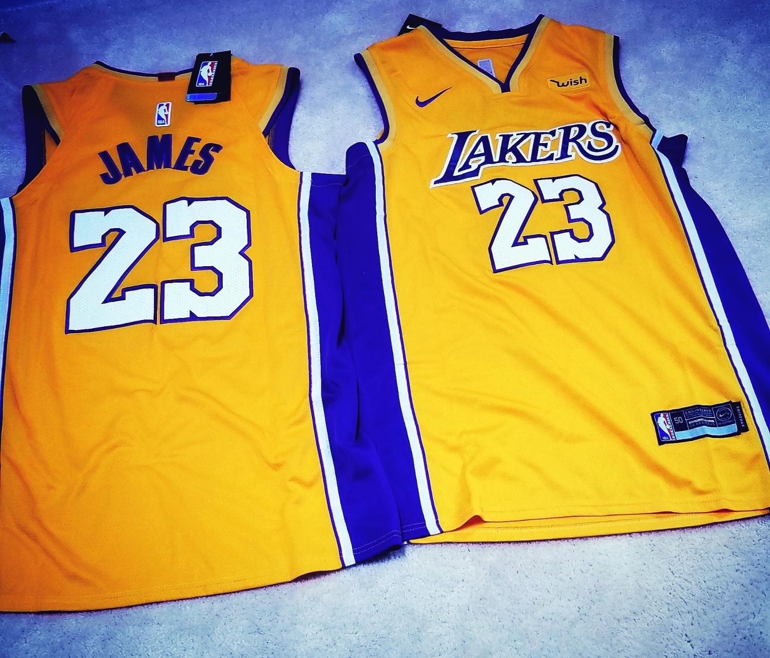 pretty nice 7b2e7 633e8 Lebron James Lakers Jersey size L