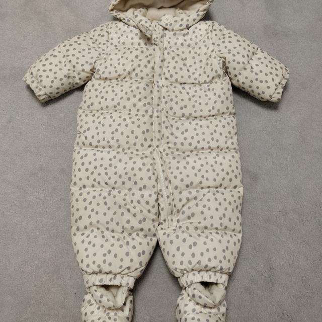 2a8b6a343 Best Euc Gap Baby Girl Down Filled Snow Suit Size 6-12 for sale in ...