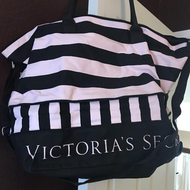Victoria S Secret Overnight Bag Excellent Condition Asking 15 Obo Reduced 10