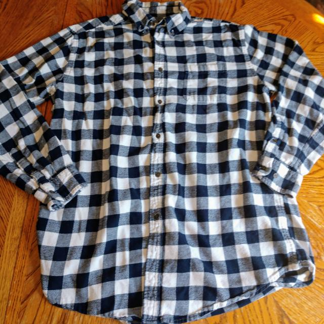 153015e8d3815 Find more Guc Croft And Barrow Size Large for sale at up to 90% off