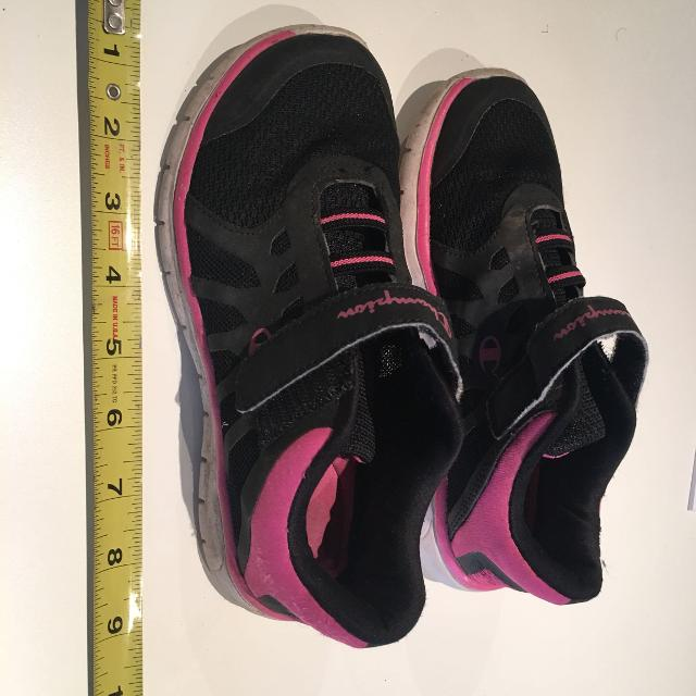 1095825accd Best Girls Champion No Tie Slip On With Velcro Runners Size 2 for sale in  Ladner