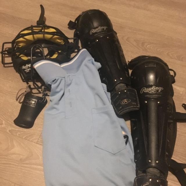 Baseball umpire equipment & shirt